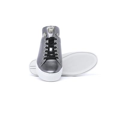 Sneaker Donna in pelle con decorazioni in metallo  BIANCO BIANCO